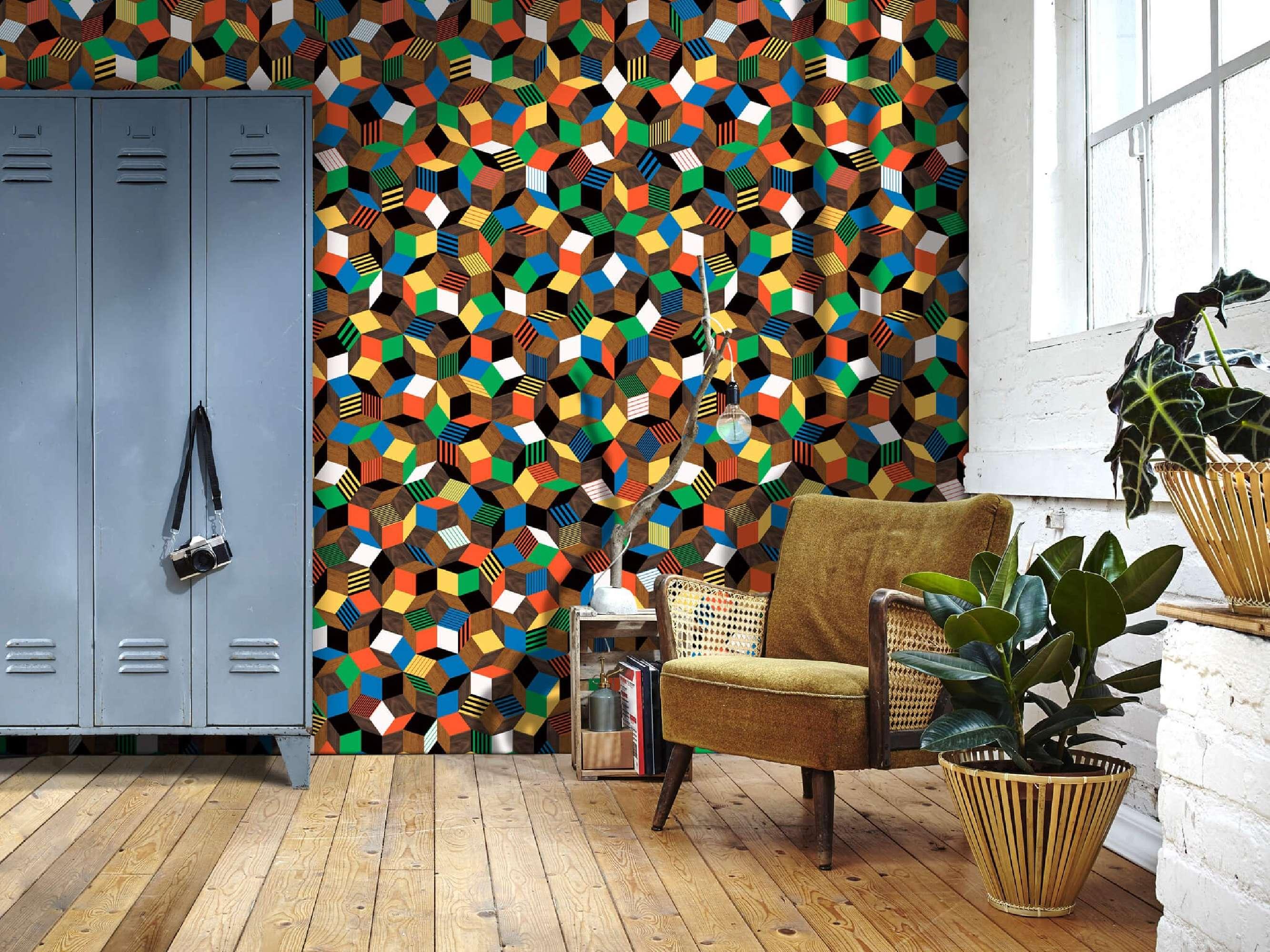 lé de papier peint avec motif géométrique penrose, collé dans un salon, design Ichetkar.