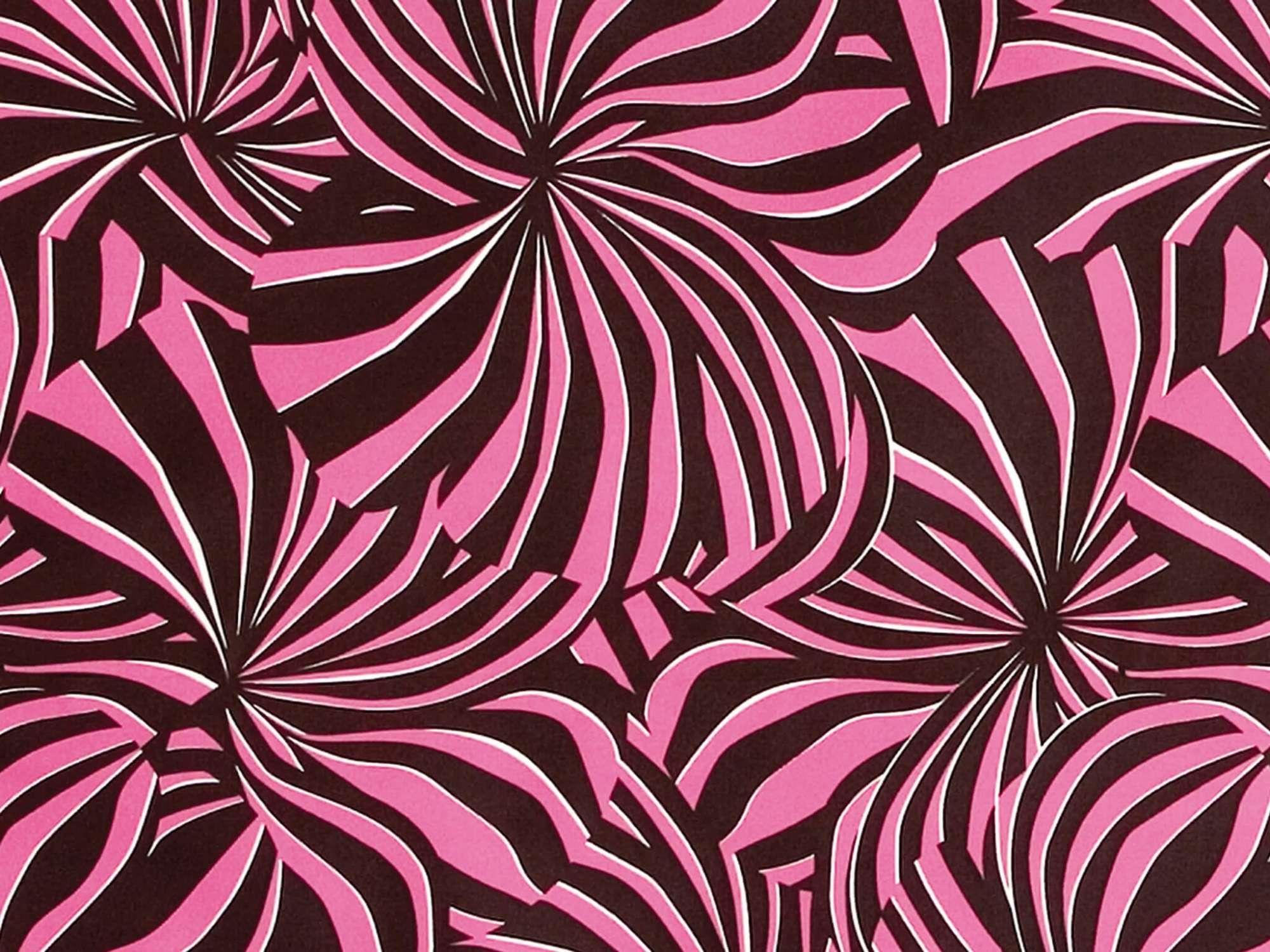 Papier peint Berlingot rose et noir à encre phosphorescente, dessiné par le studio de graphisme IchetKar