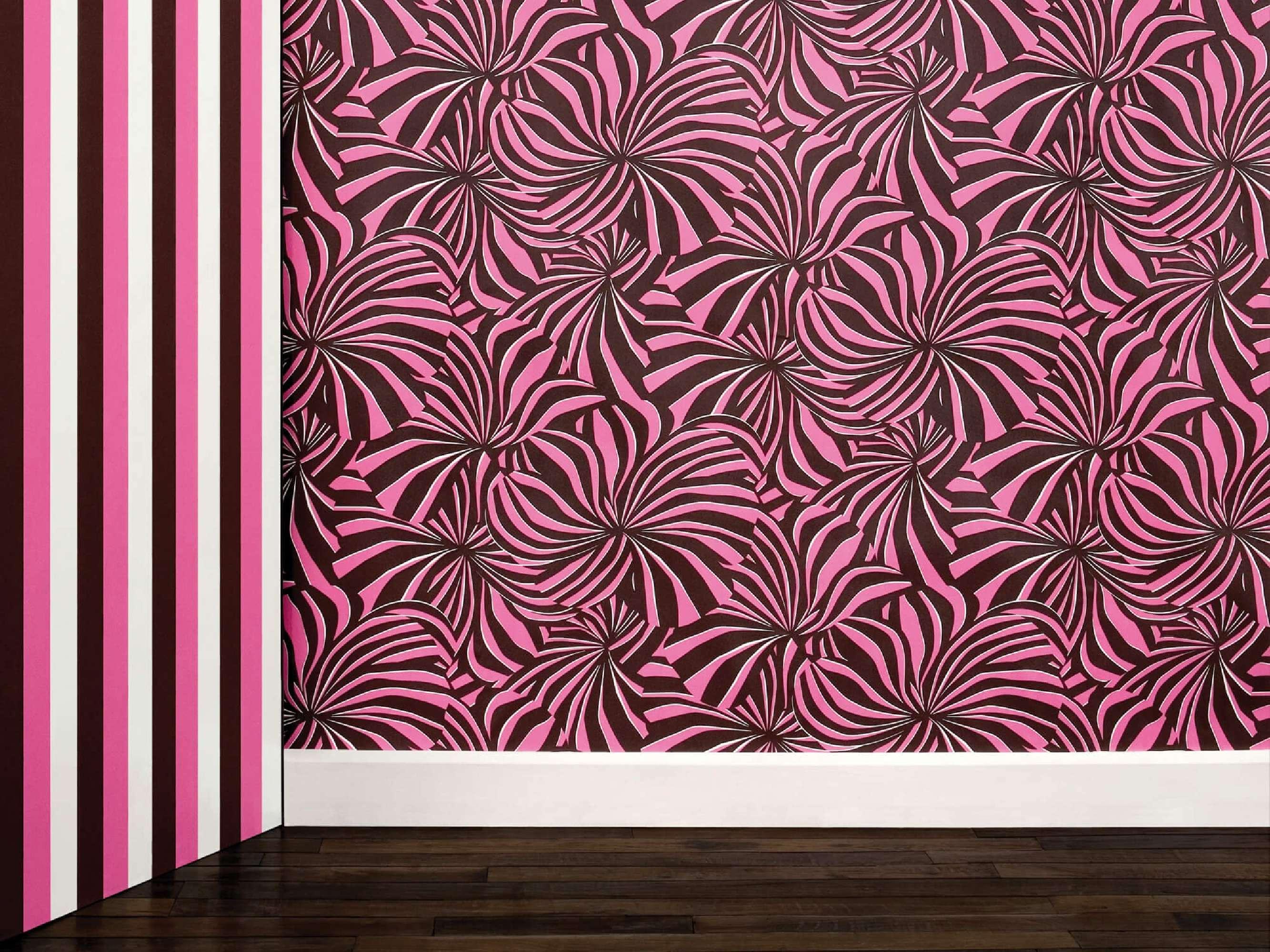Papier peint Berlingot rose et noir à encre phosphorescente, design IchetKar