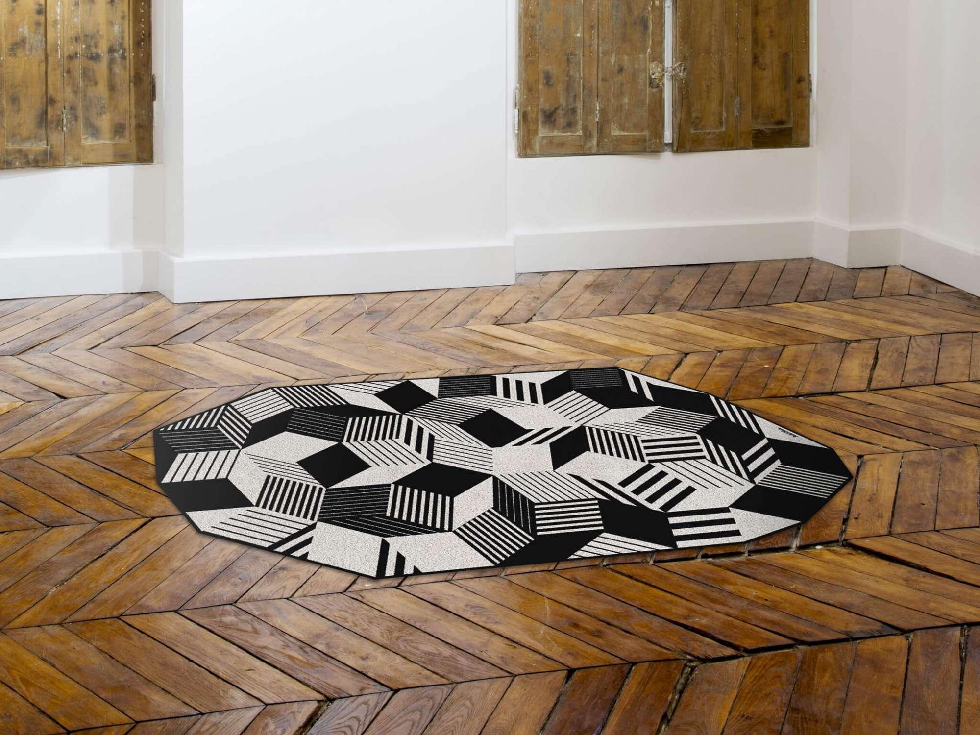 Tapis géométrique Penrose stripes black and white, Design IchetKar édition Bazartherapy
