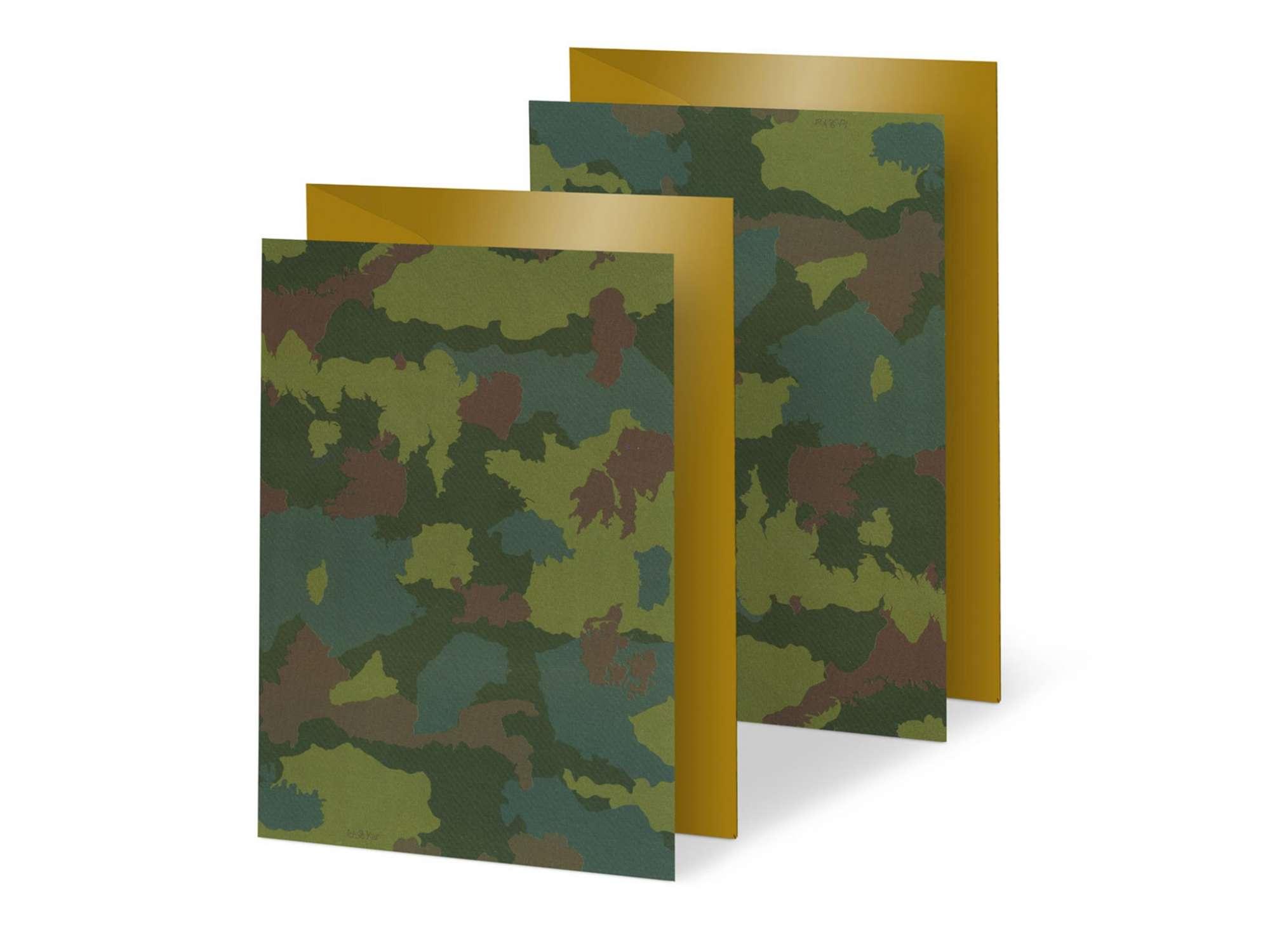 duo de cartes aux motifs camouflages, formé des pays de l'Europe  ... une carte a offrir aux guerriers pro union ou pas !