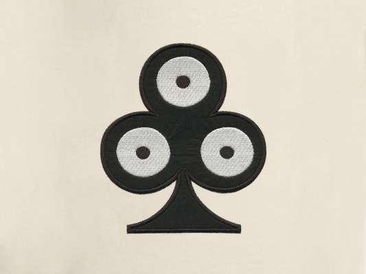 détail de la petite pochette de voyage trèfle, elle reprend le motif trèfle pokerface phares du studio Ich&Kar.
