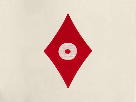 détail de la grande pochette  de voyage carreau, elle reprend le motif carreau pokerface phares du studio Ich&Kar.