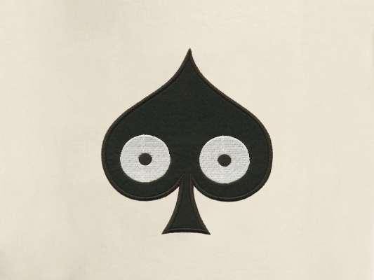 détail de la trousse pique, elle reprend le motif pique pokerface phares du studio Ich&Kar.