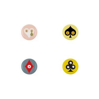 Quatre badges Pokerface dessiné par Ichetkar.