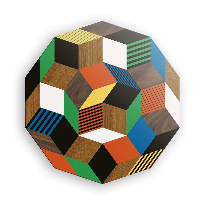 Plateau du le table haute au motif géométrique Crazy Wood, bois et couleur primaire. Design IchetKar édition Bazartherapy